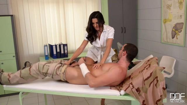 порно фильм озабоченная медсестра