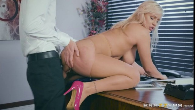 Kylie Page-Not Safe For Work, Konohat - Peekvids-3823