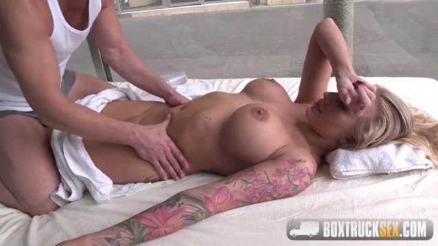 BoxTruckSex Kayla Green Busty blonde sit on his cock