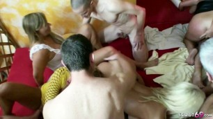 REAL GERMAN AMATEUR GANGBANG Party with Many Swingers