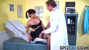 Gabby Quinteros Doctor