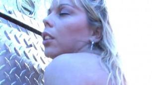 busty hausfrau amber lynn nackt