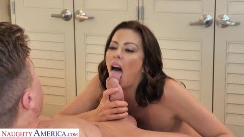 Alexis Fawx Tips Bell Boy With Pussy Naked Couple
