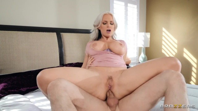 Brazzers - Anal Stretching In The Shower With Alena Croft