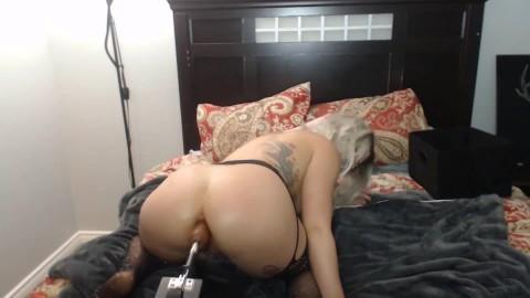 Anal Slut Has Fucking Machine Big Booty Gets Big Dick