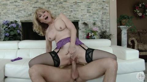 Mommy Needs Stiff Dick Nina Hartley Anna Nicole Smith