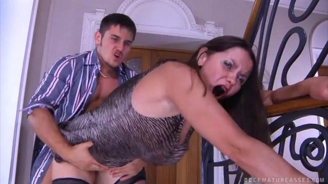 Sokmalı işemeli bedava porn video izle