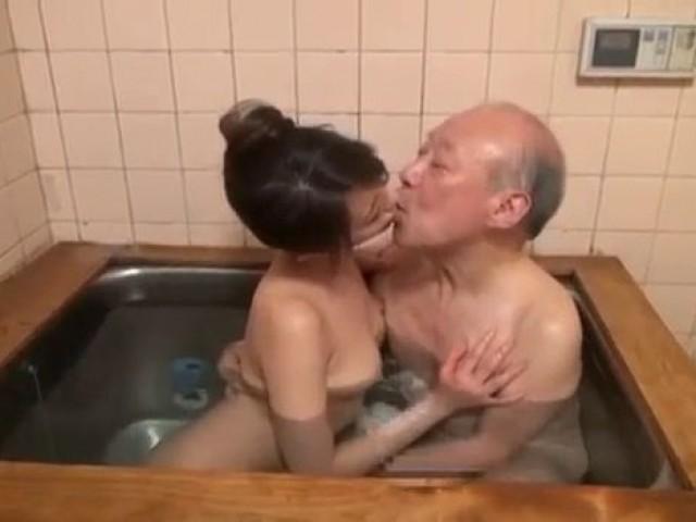 Young Asian Doing Blowjob An Old Man At Home Miku Aoki -2332