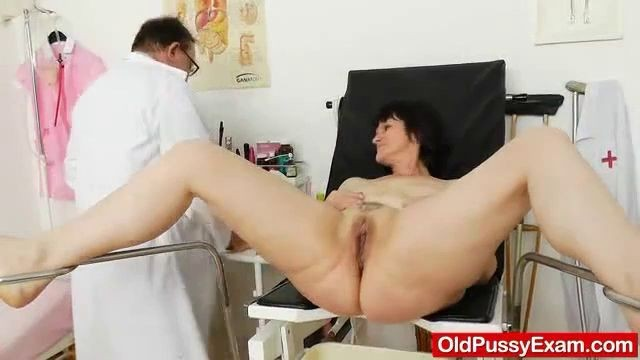 Mature Cunny Examined By The Gynecologist, Partaspar -2333