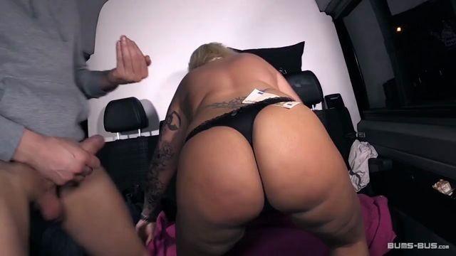 Wilder anal kitty Vídeos pornôs
