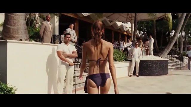 Gal gadot in a bikini