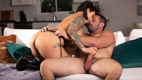 Babes - Passion Ivy Lebelle