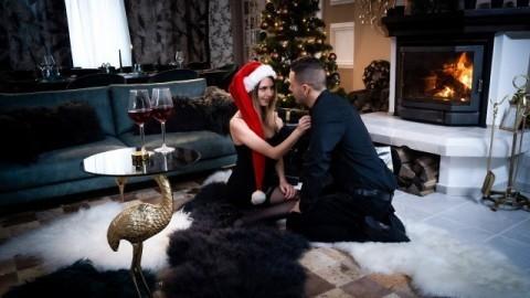 Rebecca Volpetti In Couple share orgasmic Xmas presents