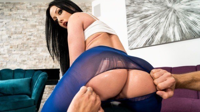 Jennifer White Giving Good Gape