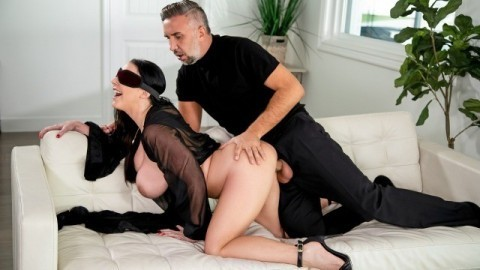 Brazzers - Blindfolded Fantasy With Angela White