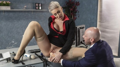 Brazzers - Product Placement In Ryan Keely's Good Pussy