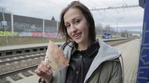 Train Station Smoker Jessika Night Gets Fucked